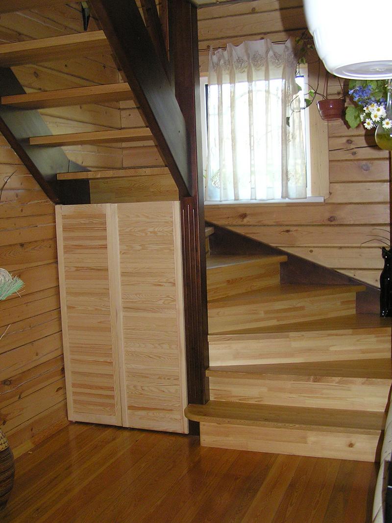 лестница в деревянном доме фото